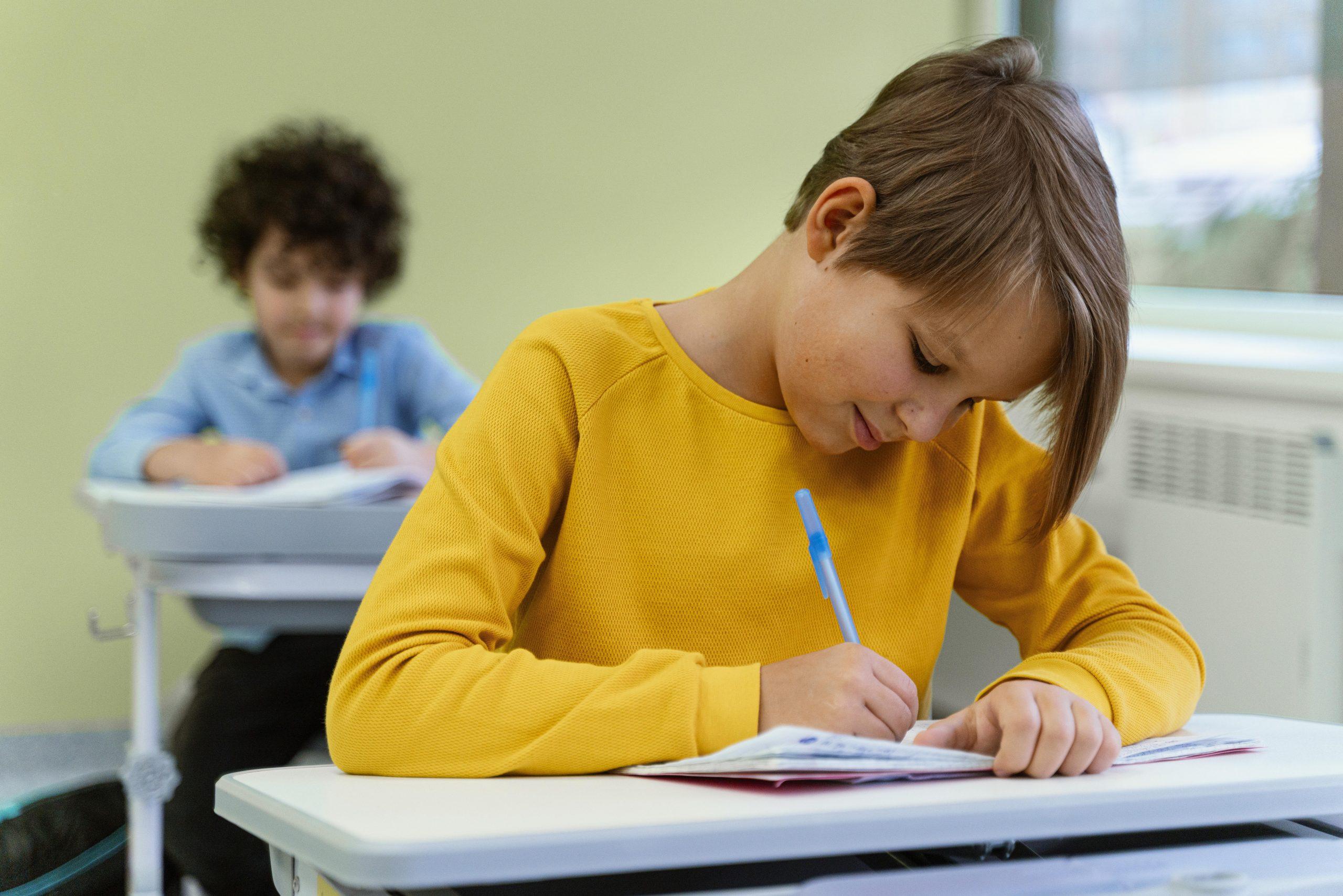 front-view-children-class-school